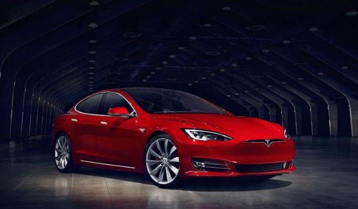 Tesla registra primeiro acidente fatal causado por piloto automático de carroautônomo