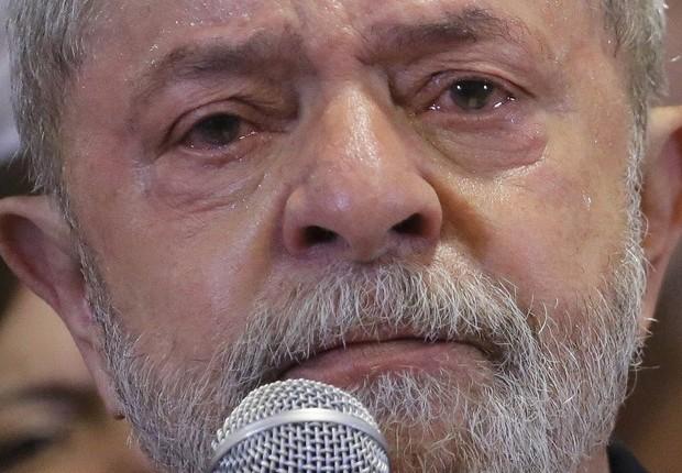 O choro de Lula após serdenunciado