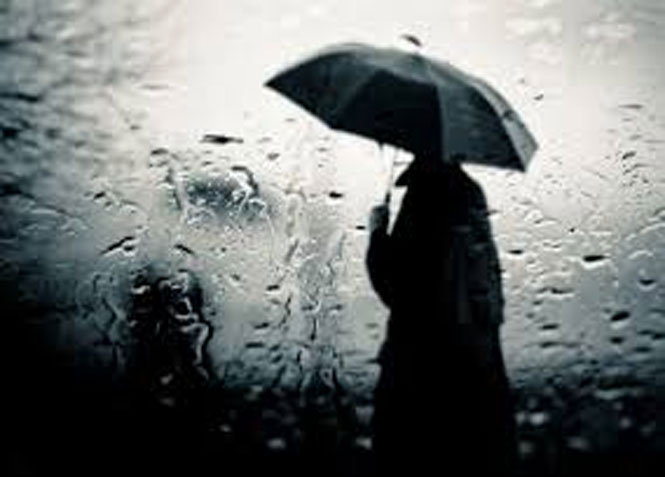 Um-homem-sob-a-chuva